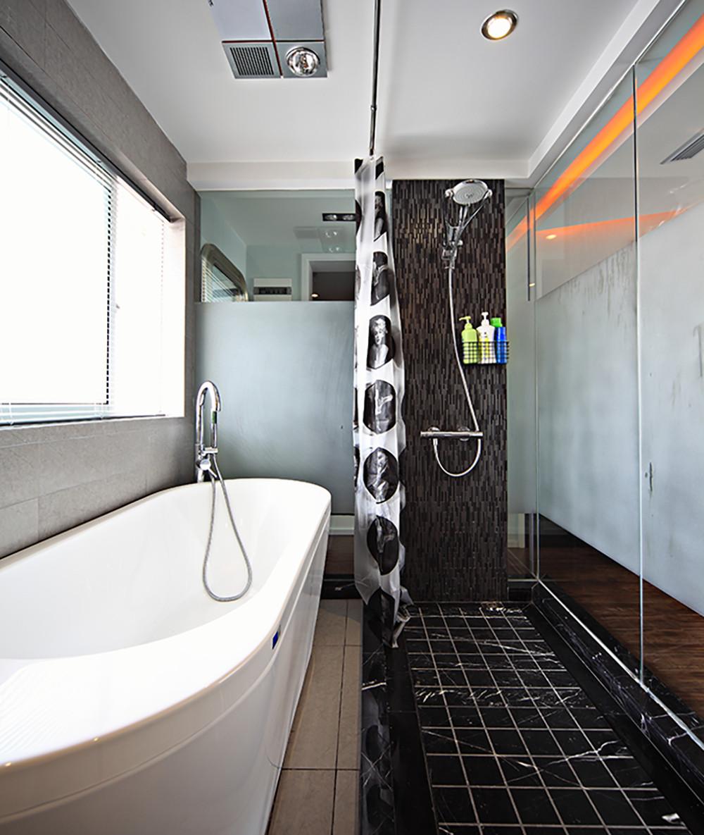现代复式装修卫生间装潢图