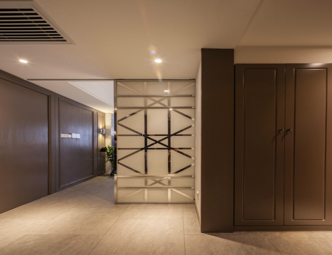 复式现代风格装修玄关设计图