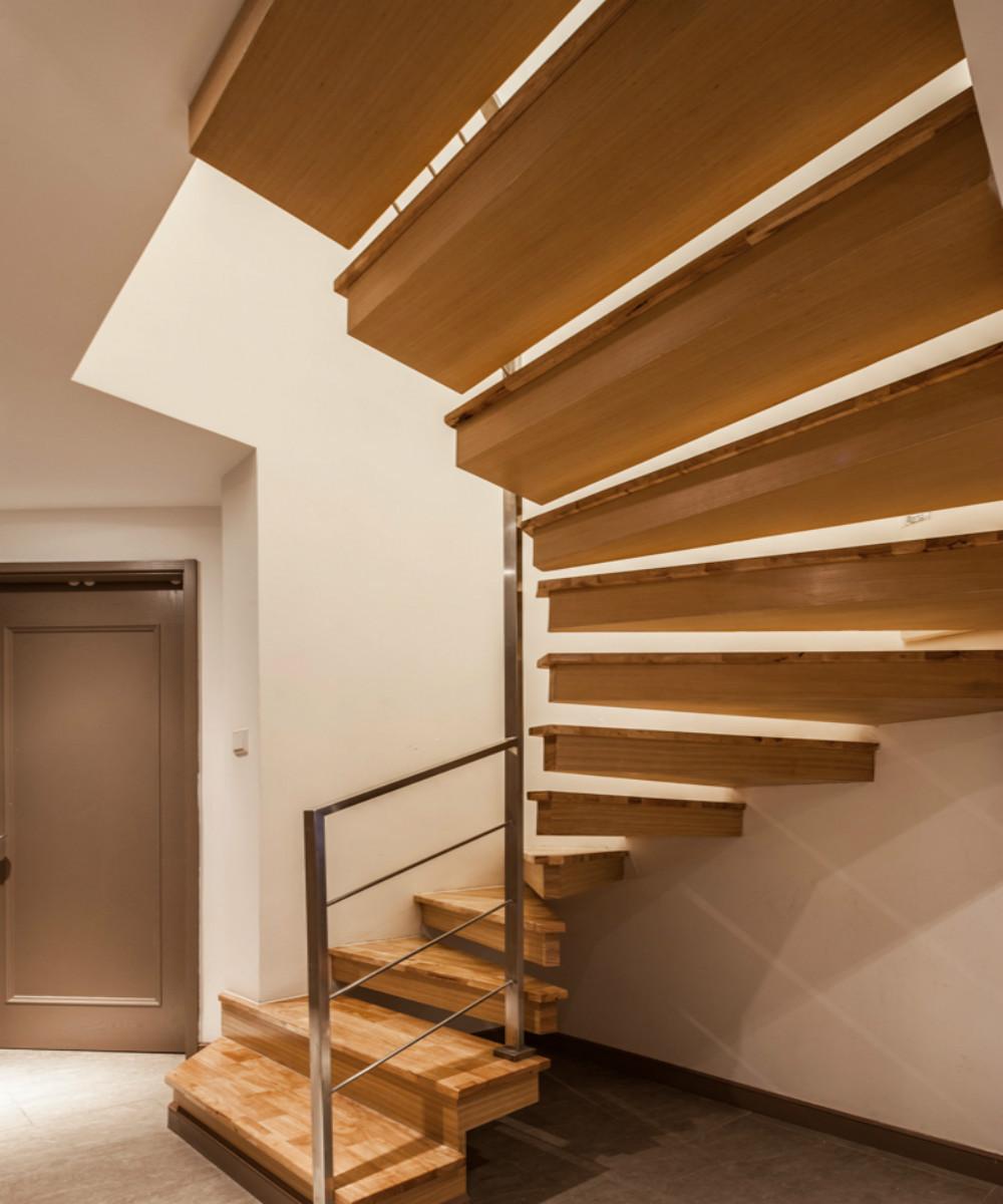 简约风格复式时尚楼梯设计图