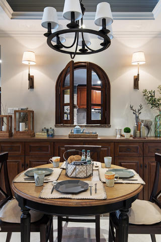 三居室美式风格装修餐厅布置图