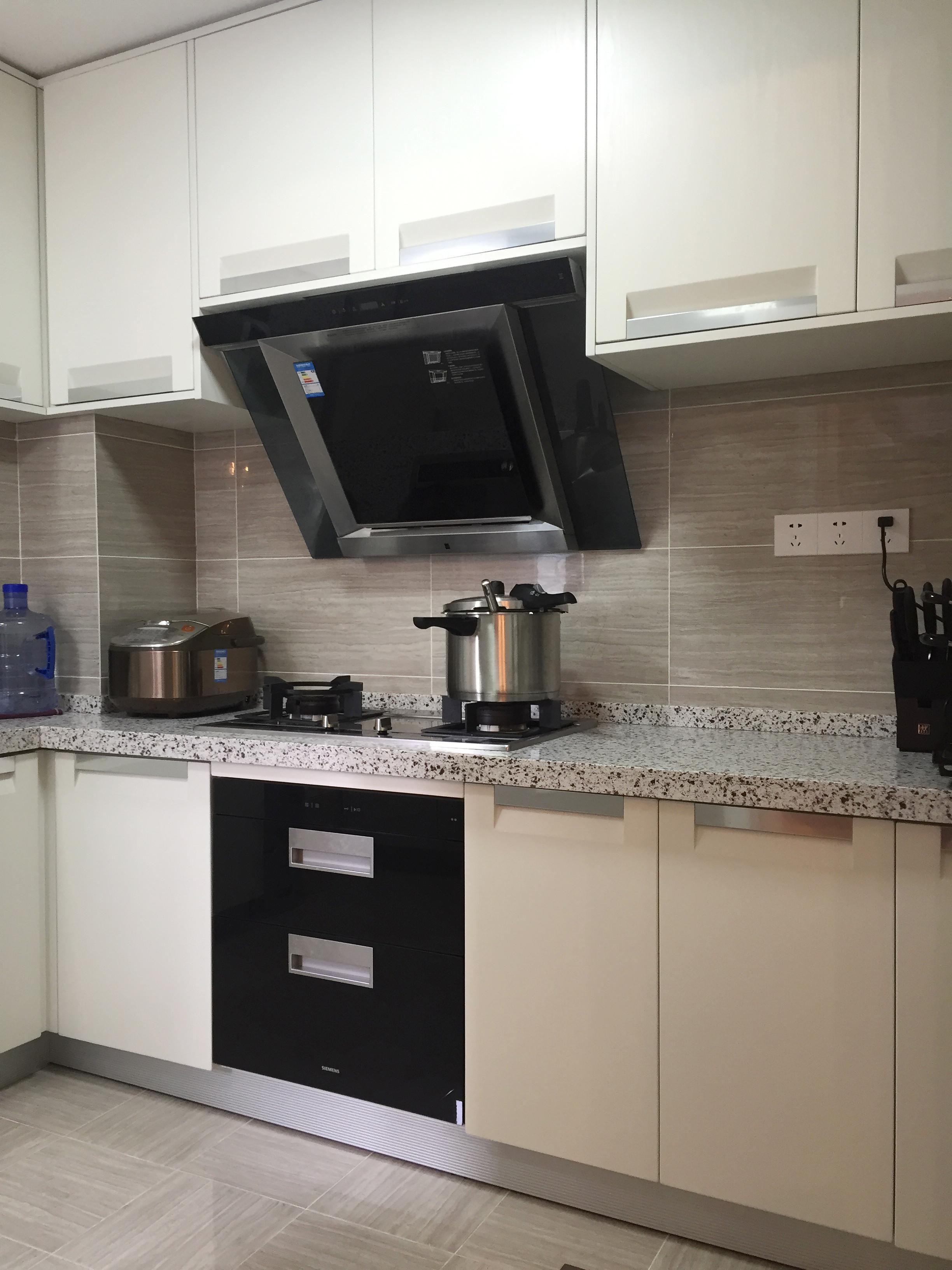 大户型装修厨房搭配图