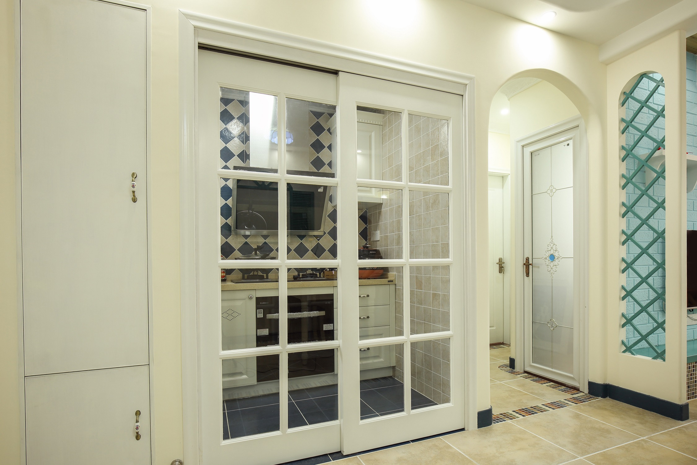小户型地中海风格家厨房移门设计