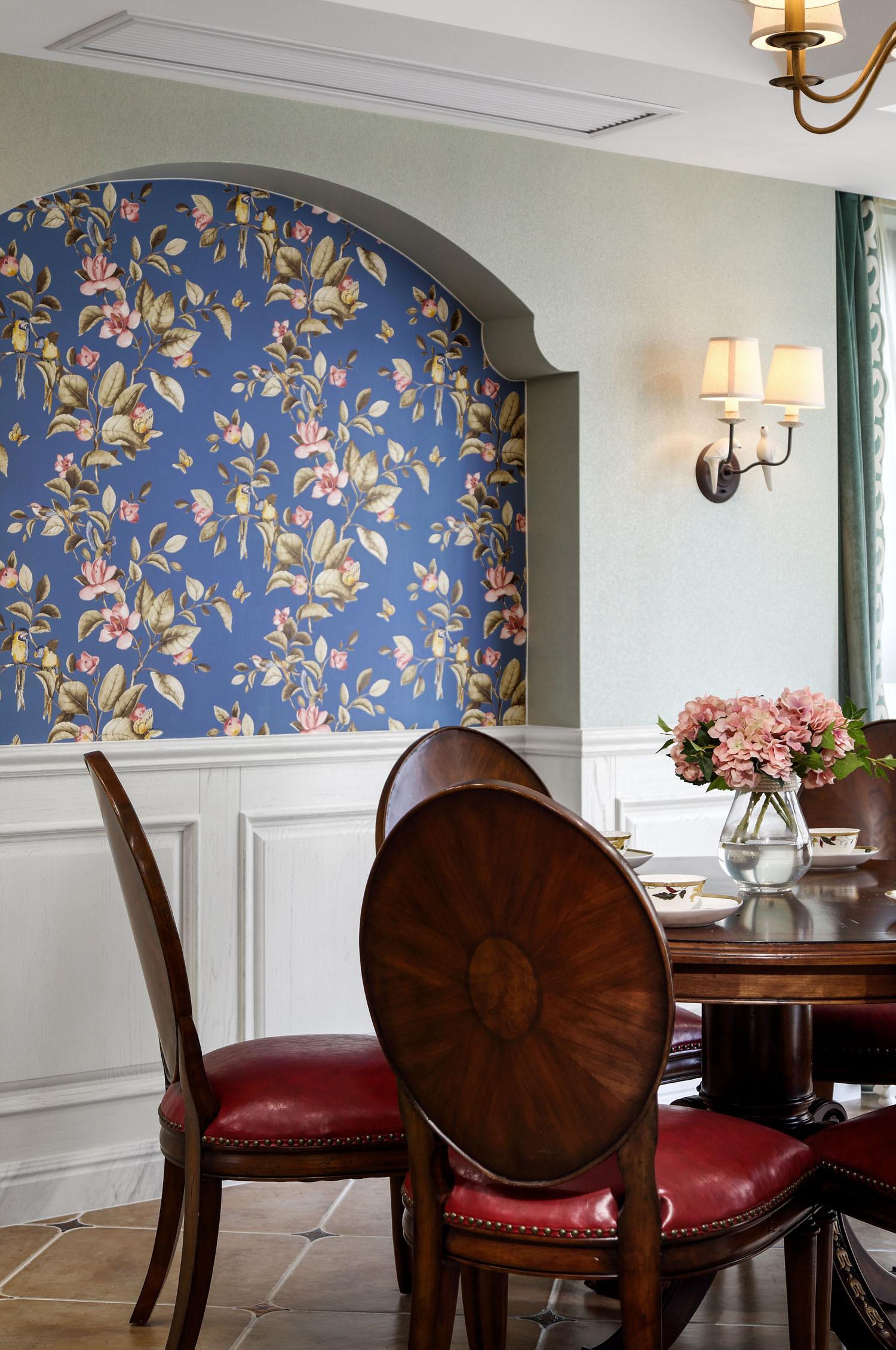 美式复式装修餐厅背景墙图片
