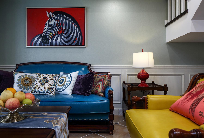 美式复式装修沙发一角