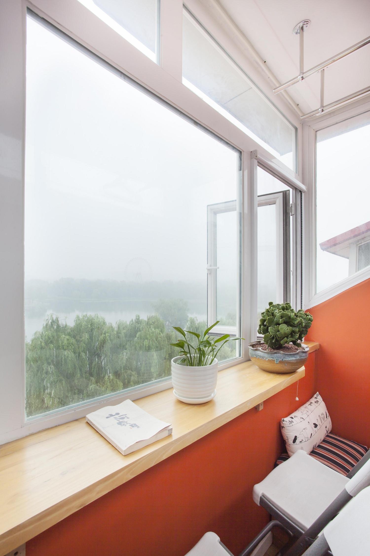 Loft小复式装修窗台绿植图片