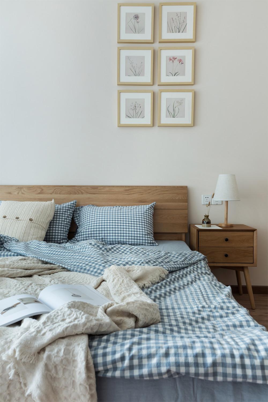 日式三居装修床上用品