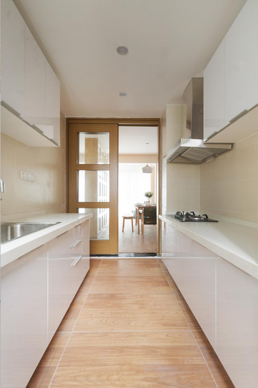 日式三居装修厨房布局图
