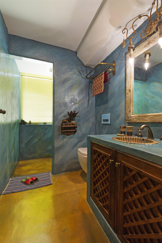 东南亚风格二居卫生间装潢图