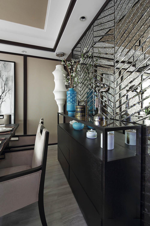 中式三居装修餐边柜图片