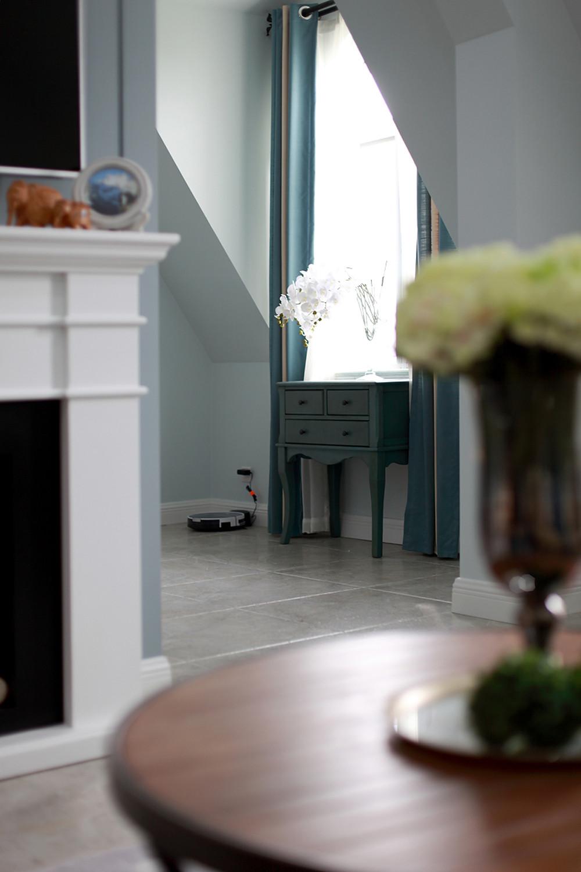 复式美式风格装修客厅一角
