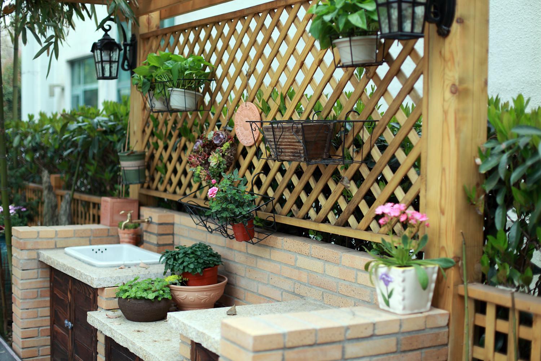 现代美式别墅装修花园欣赏图