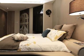 大户型现代风装修床头背景墙图片