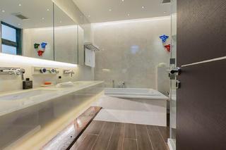 现代简约风格三居卫生间装潢图