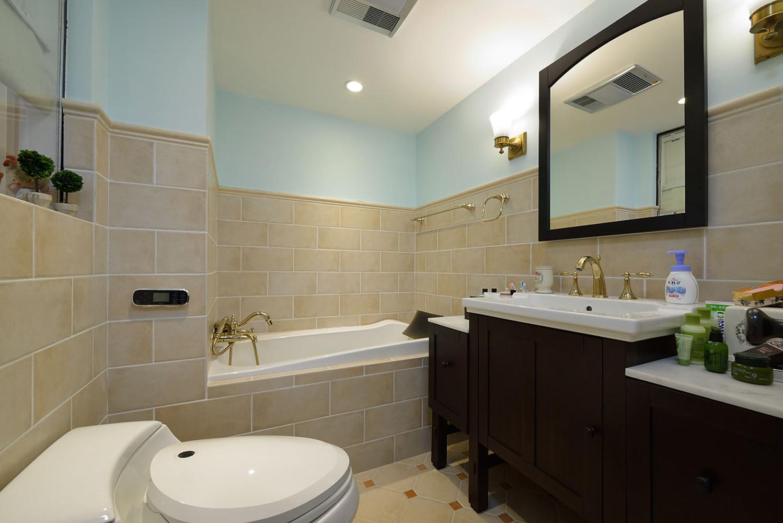 160平美式风格家卫生间装潢图
