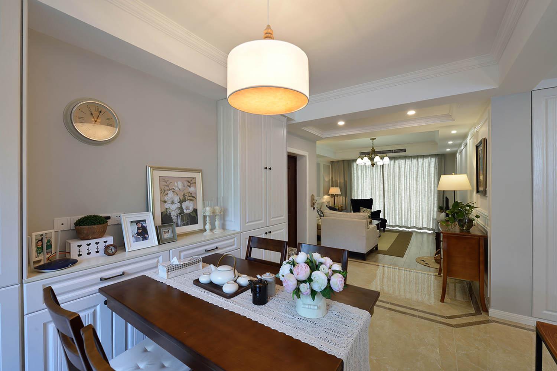 简美二居室装修餐厅吊灯图片