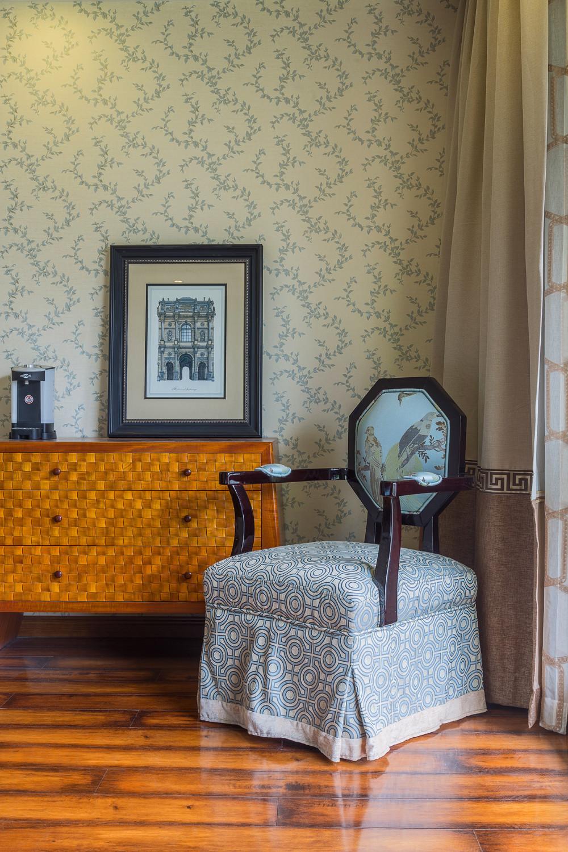 大户型中式风格家卧室一角