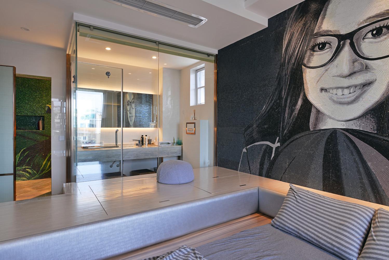 90平极简主义二居装修肖像背景墙