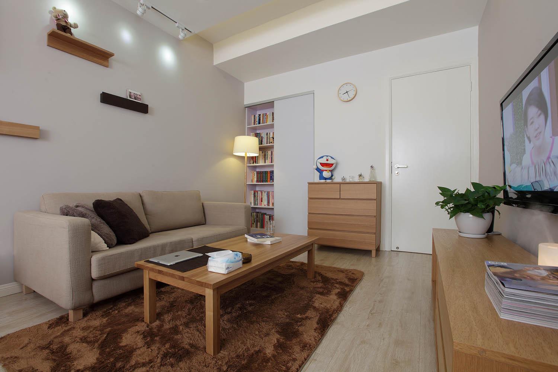 38㎡日式MUJI风格家沙发背景墙图片