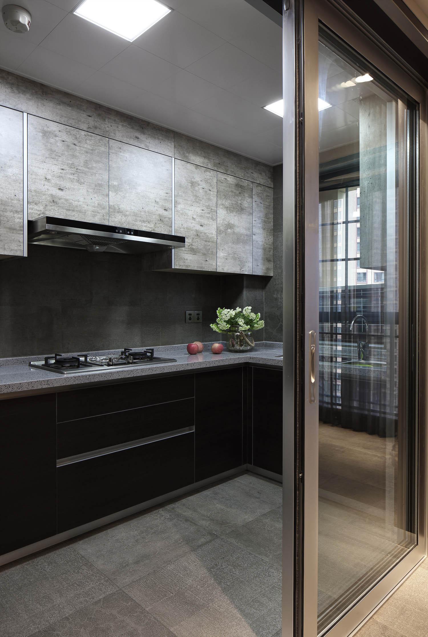 145㎡现代简约装修厨房设计图