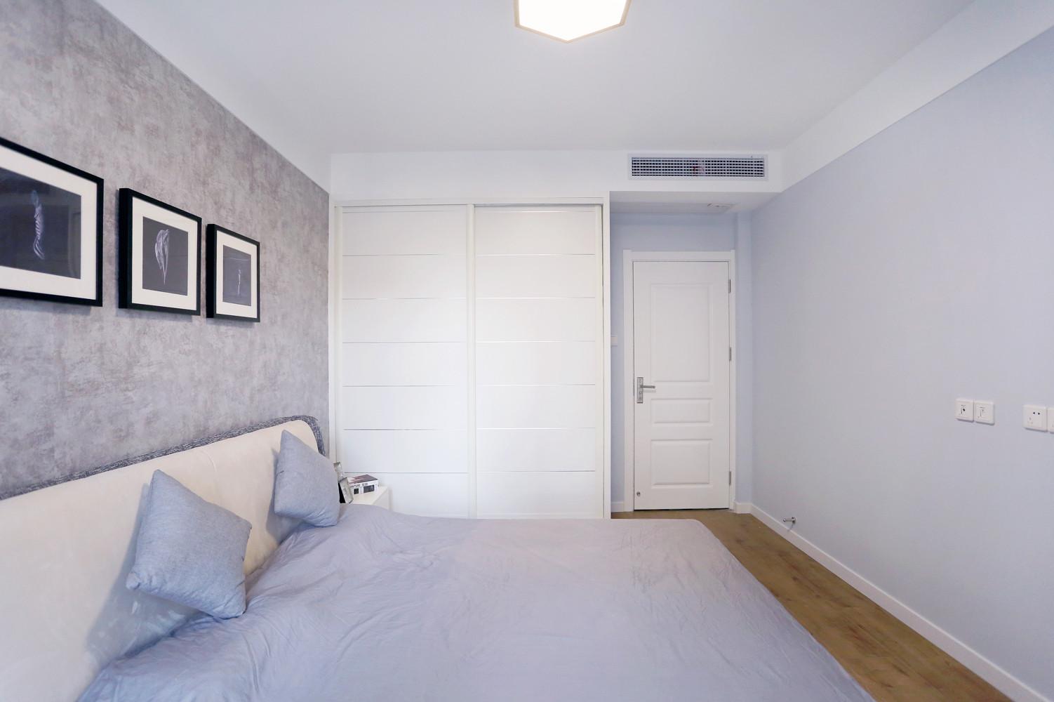 110平北欧风格家衣柜设计