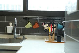 78平简约风格公寓装修厨房一角