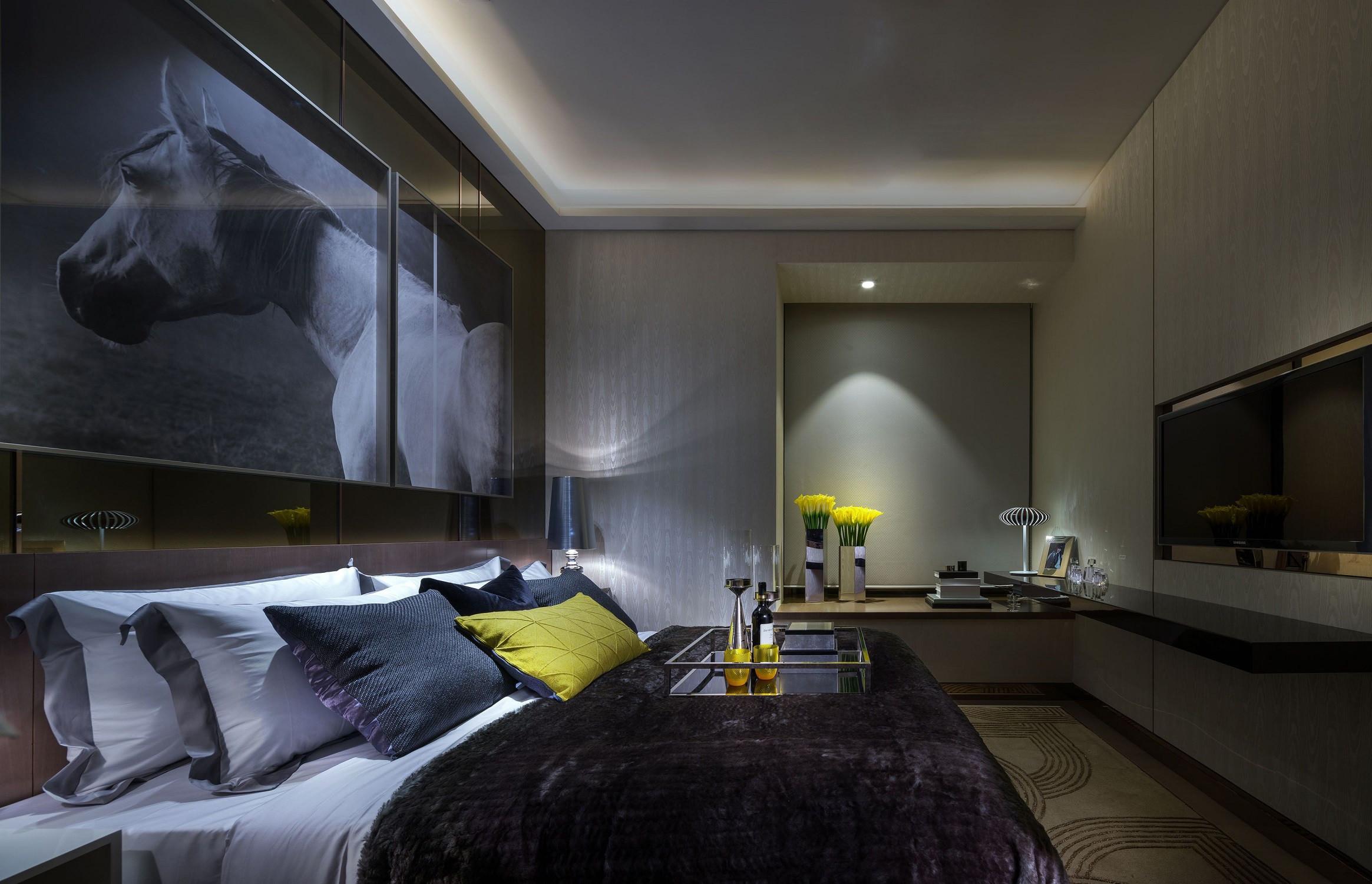 低调奢华的现代风装修床头背景墙图片