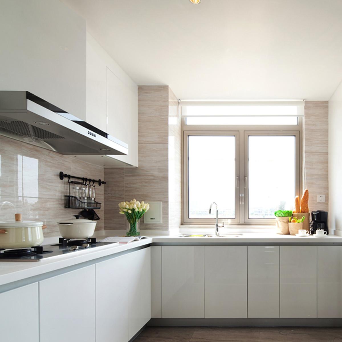 简欧与现代混搭装修厨房设计图