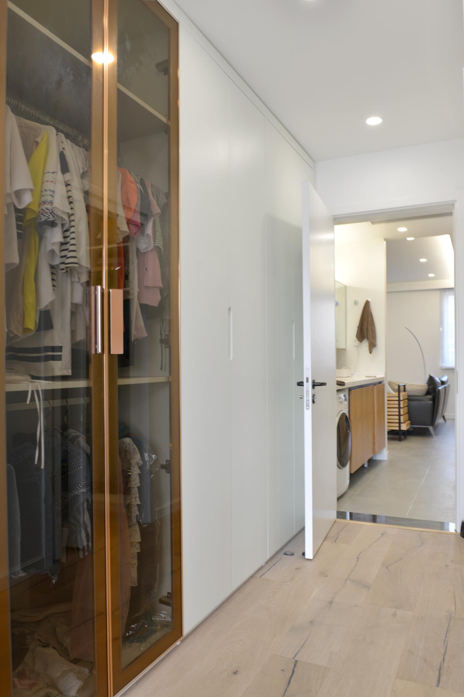二居室北欧风格家衣柜图片