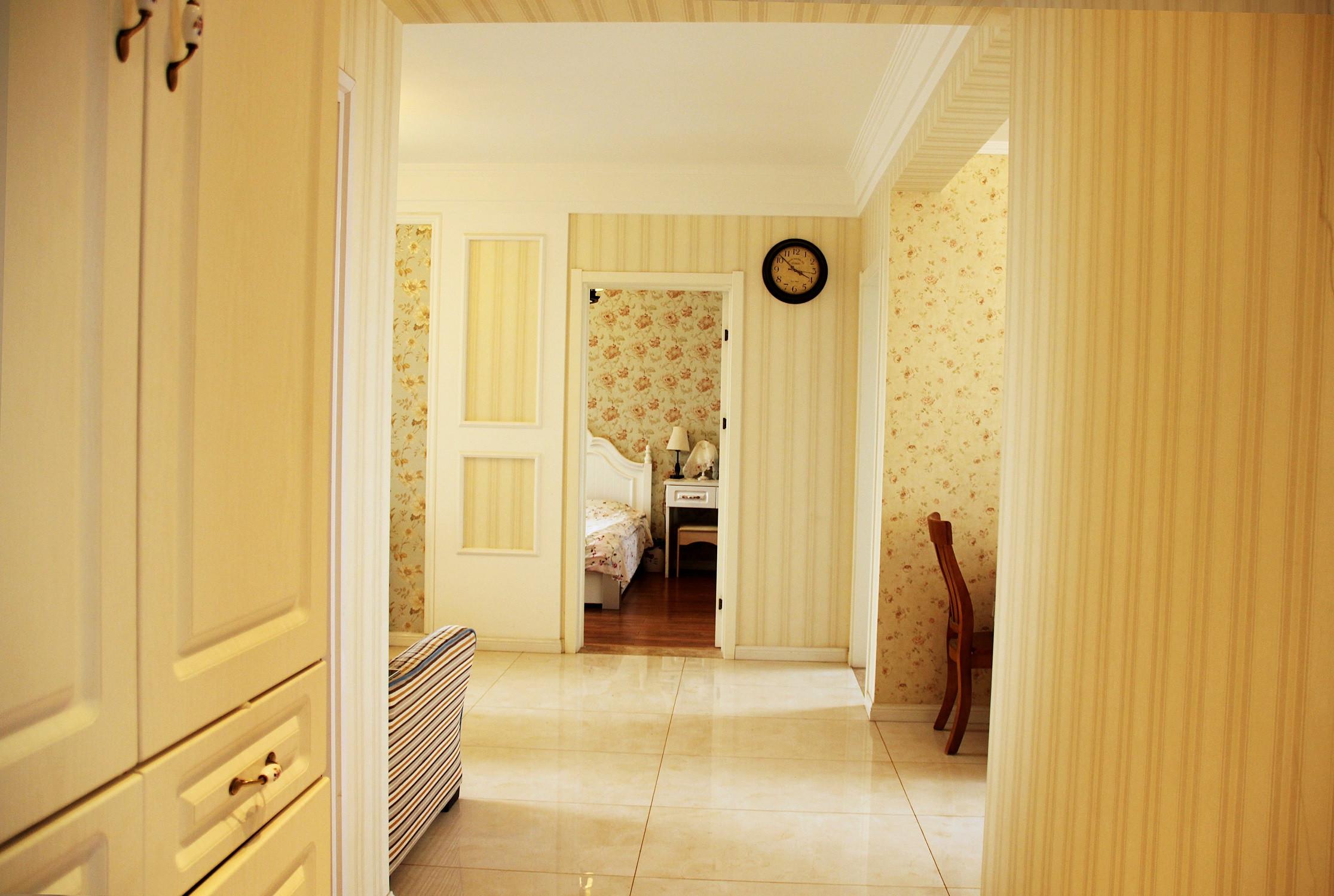 美式风格三居装修门厅过道