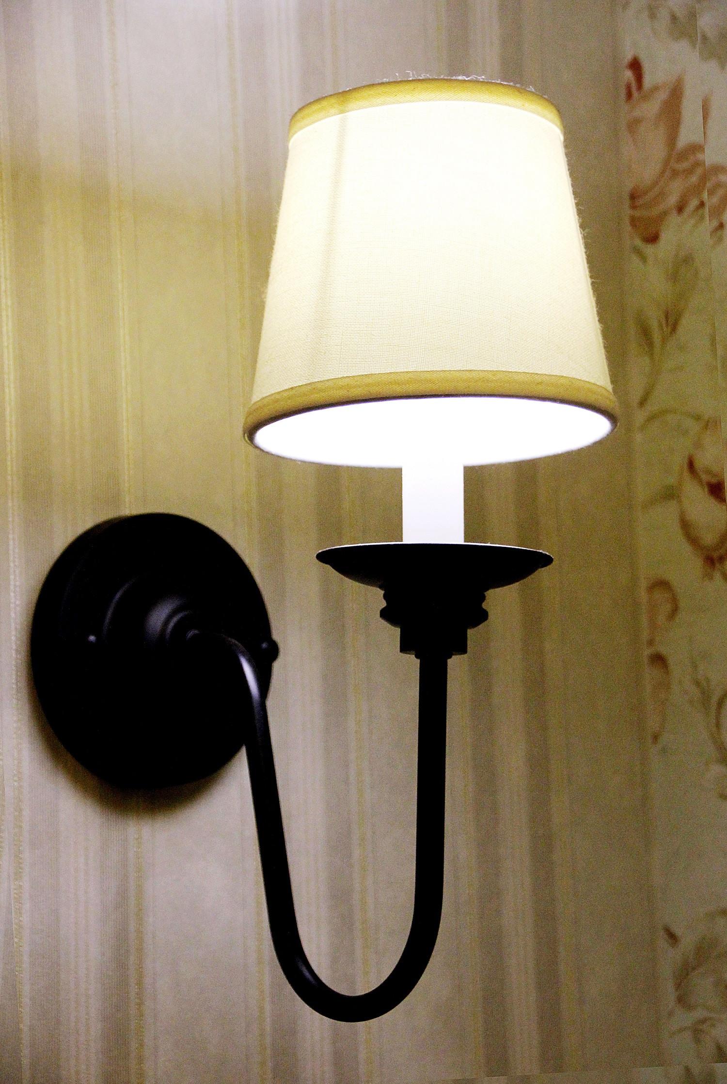 美式风格三居装修壁灯图片