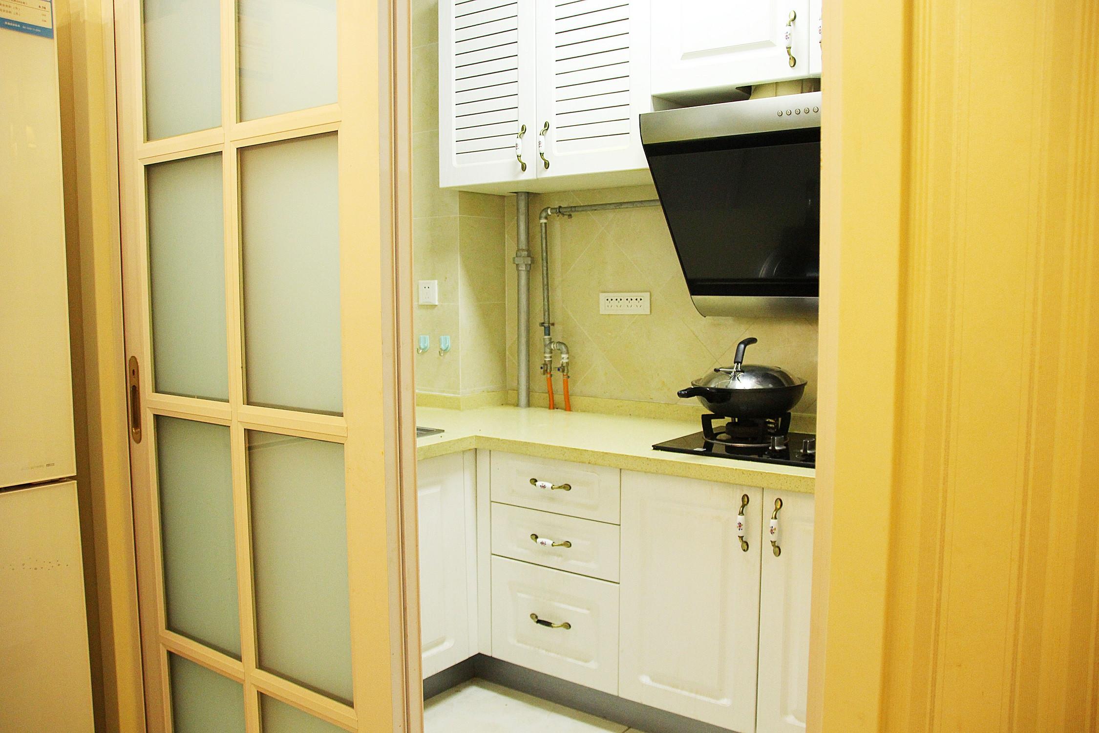 美式风格三居装修橱柜图片