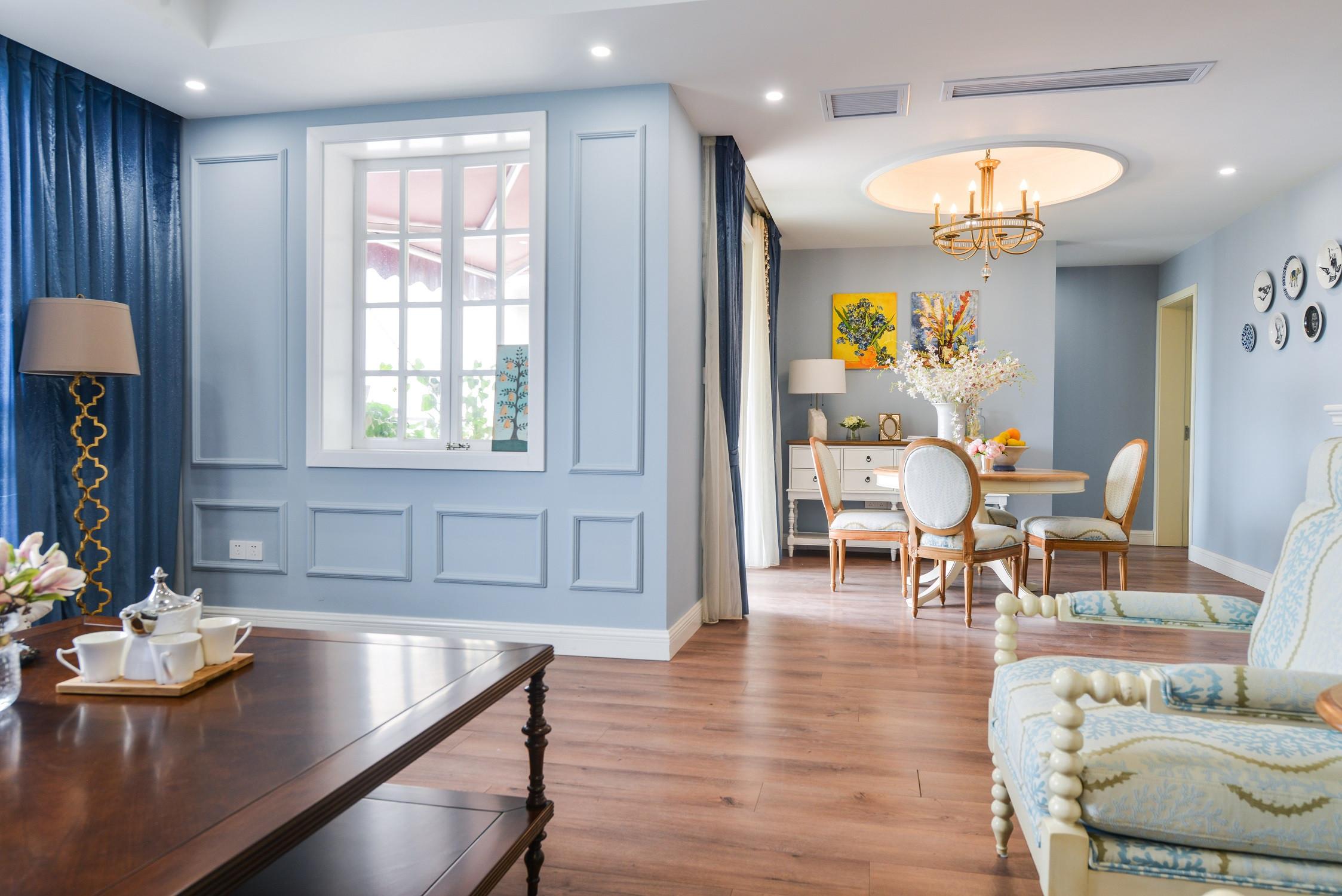 176平美式风格家客厅过道