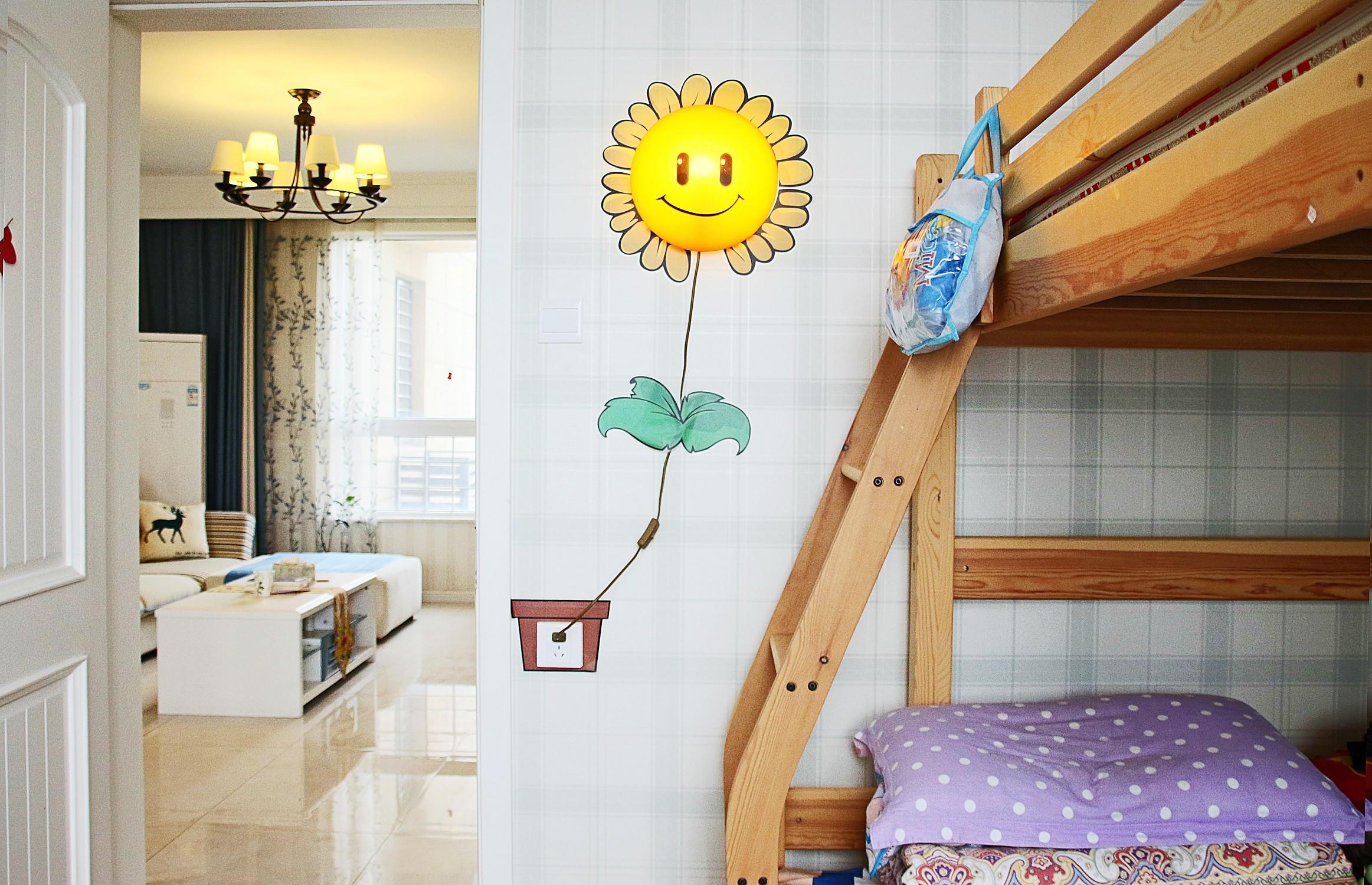 美式风格三居装修儿童房壁灯设计