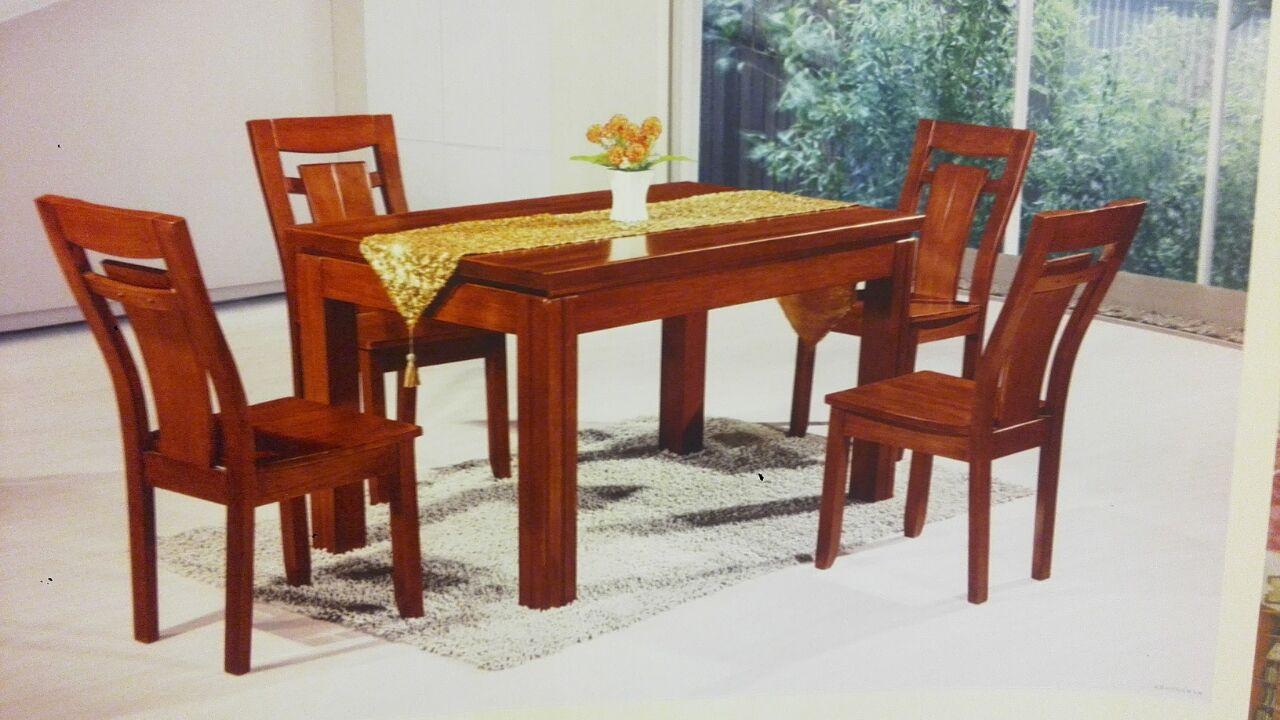 和木居  深色136餐桌+127餐椅4把