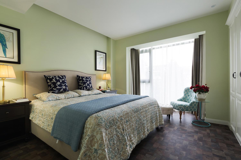 140平美式风格家卧室设计图