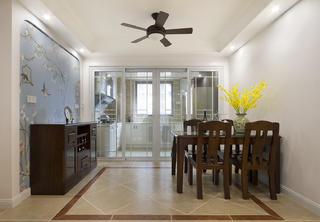 145平美式三居装修餐厅设计图