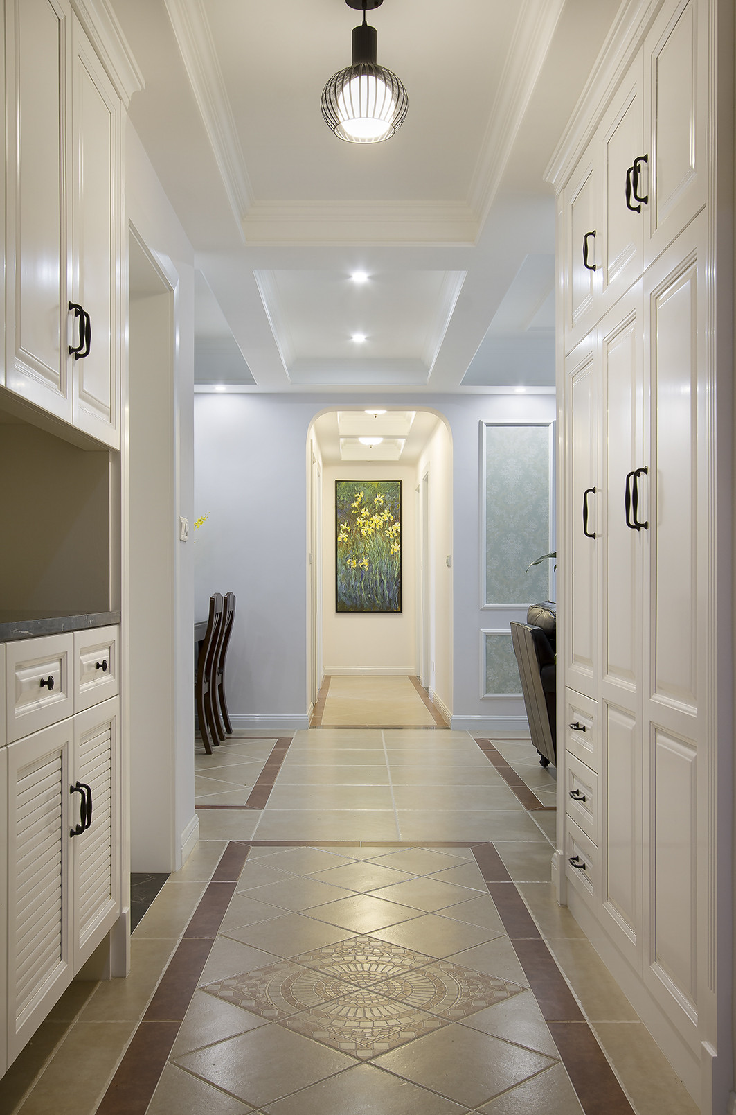 145平美式三居装修门厅走廊