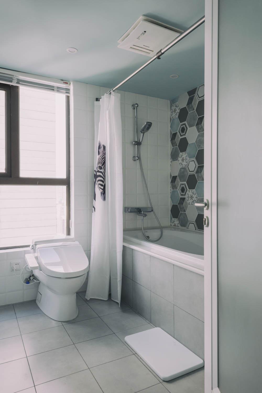 北欧风格三居浴缸图片