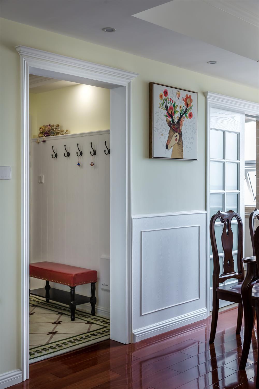 美式四居装修餐厅背景墙图片