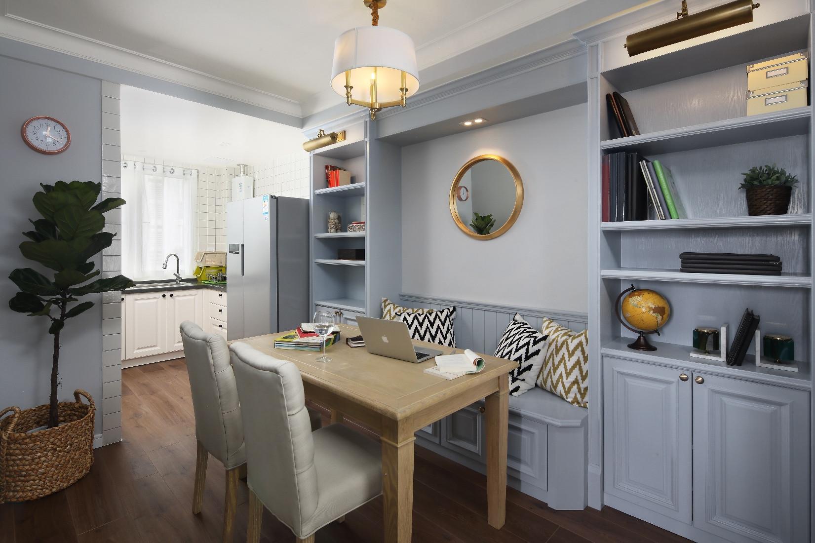 90平休闲美式二居装修餐厅设计图