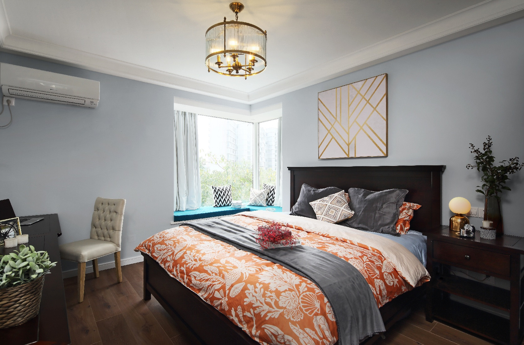 90平休闲美式二居装修卧室搭配图