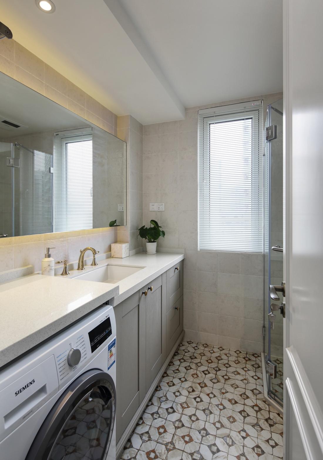 90平休闲美式二居装修卫生间装潢图