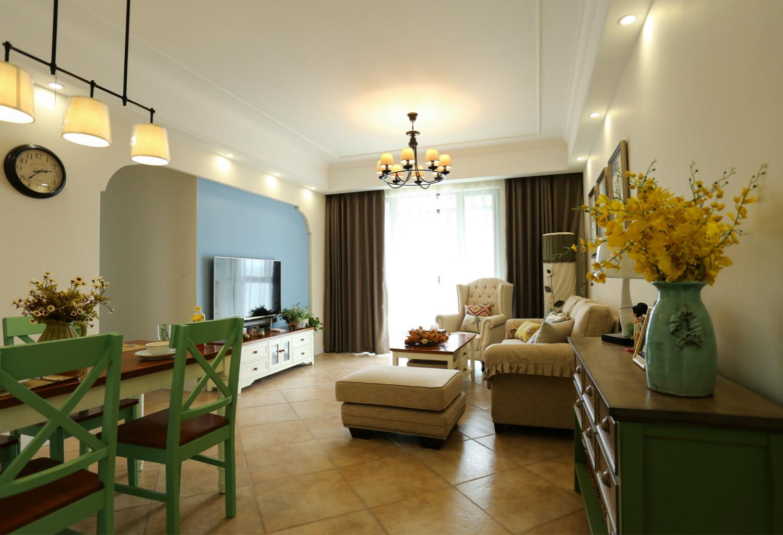 美式三居空间客厅布置图