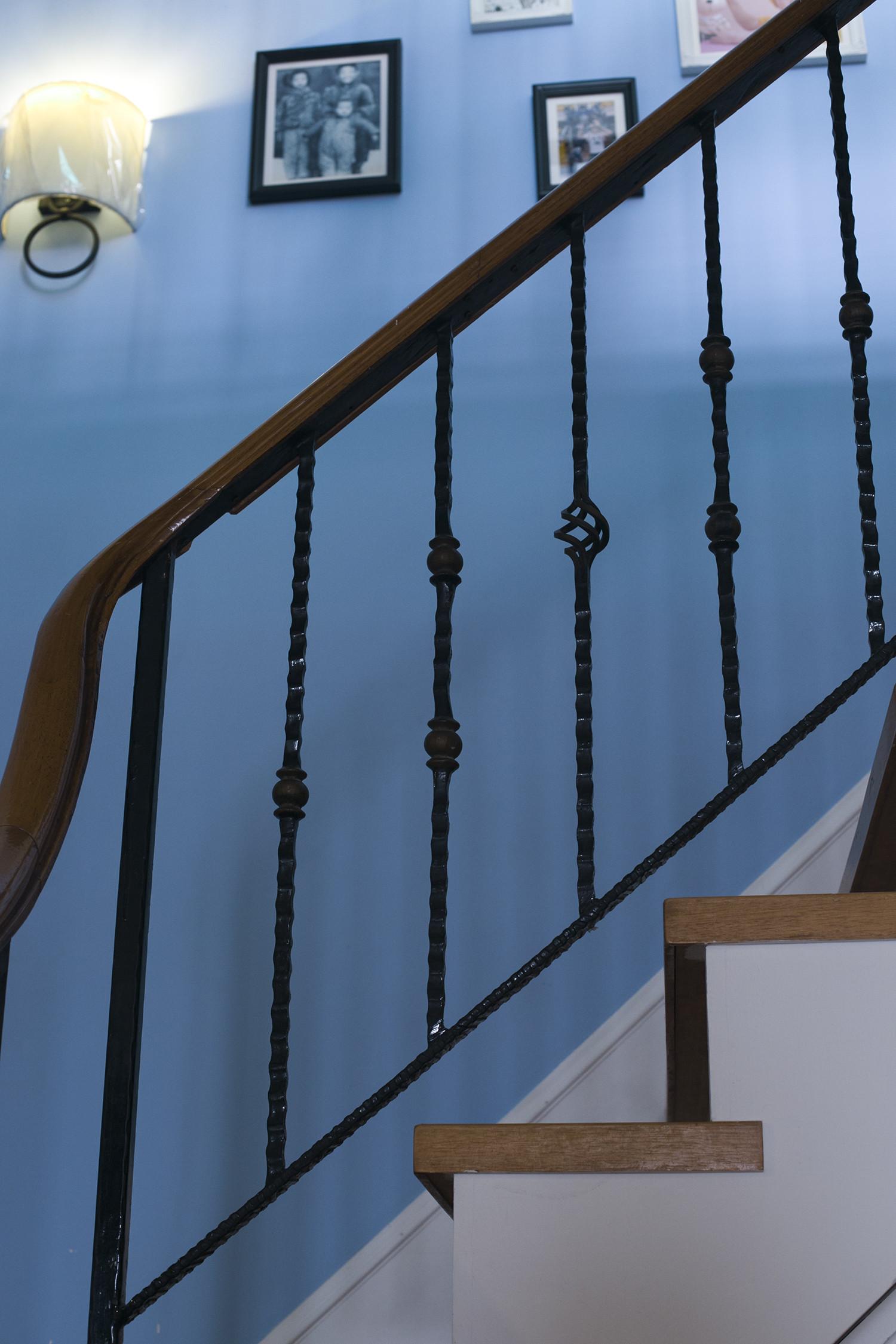 大户型美式风装修楼梯图片