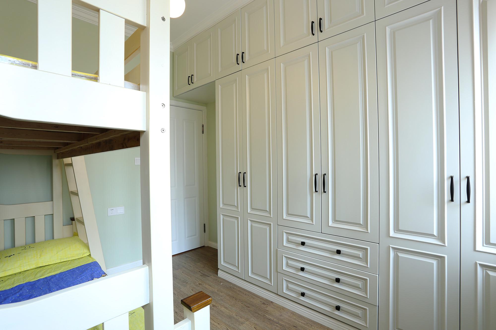 二居室混搭小家衣柜图片