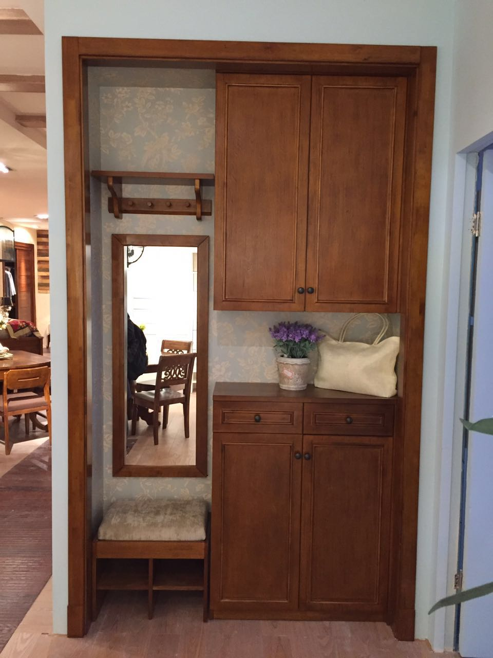 定制实木门厅柜