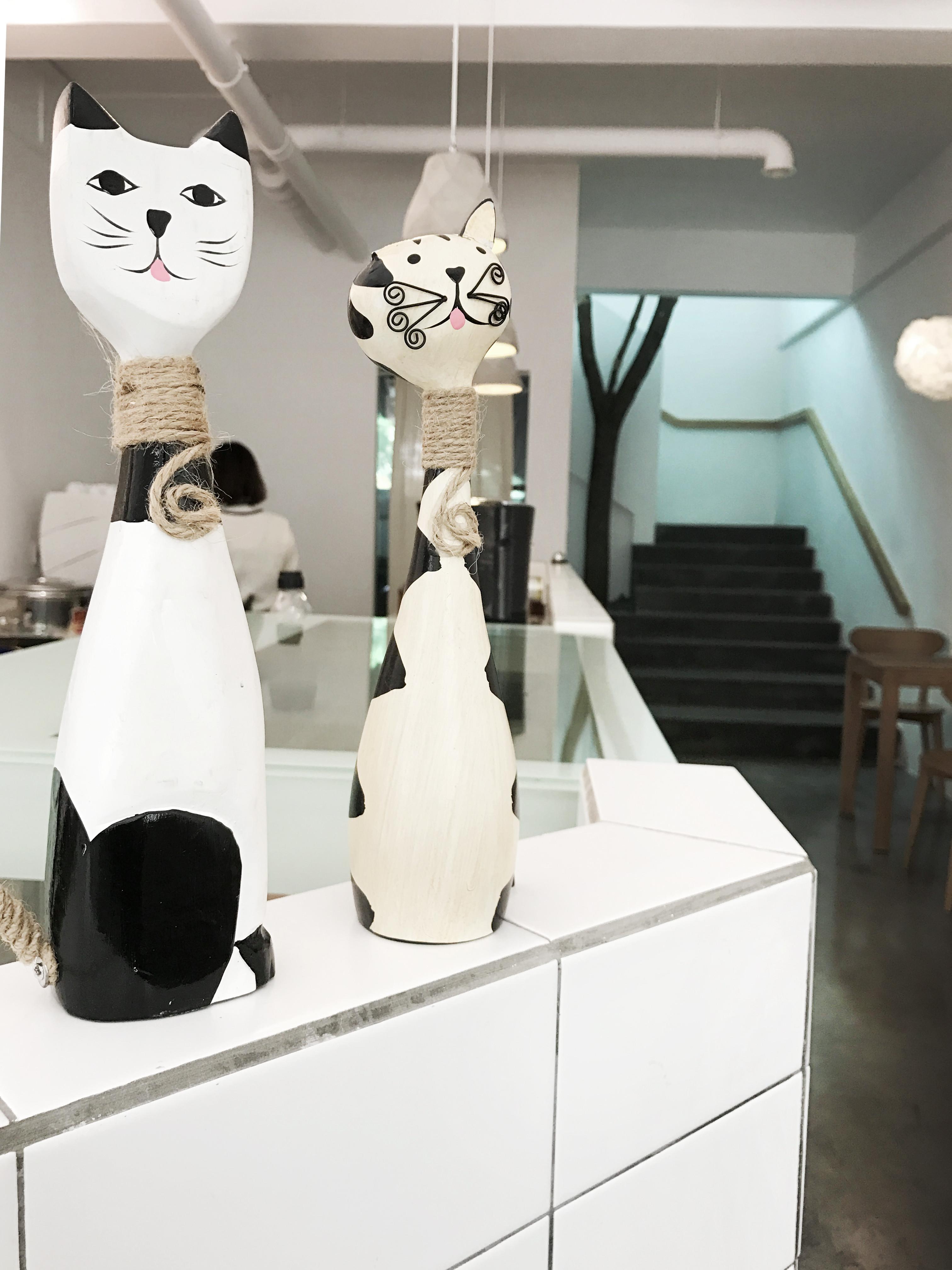 极简猫咪咖啡厅装修吧台摆件