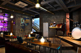 咖啡吧装修大厅布置图