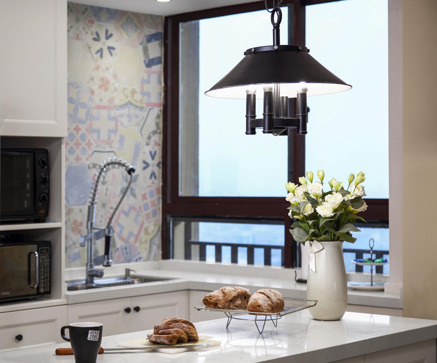 美式四房装修厨房吊灯图片