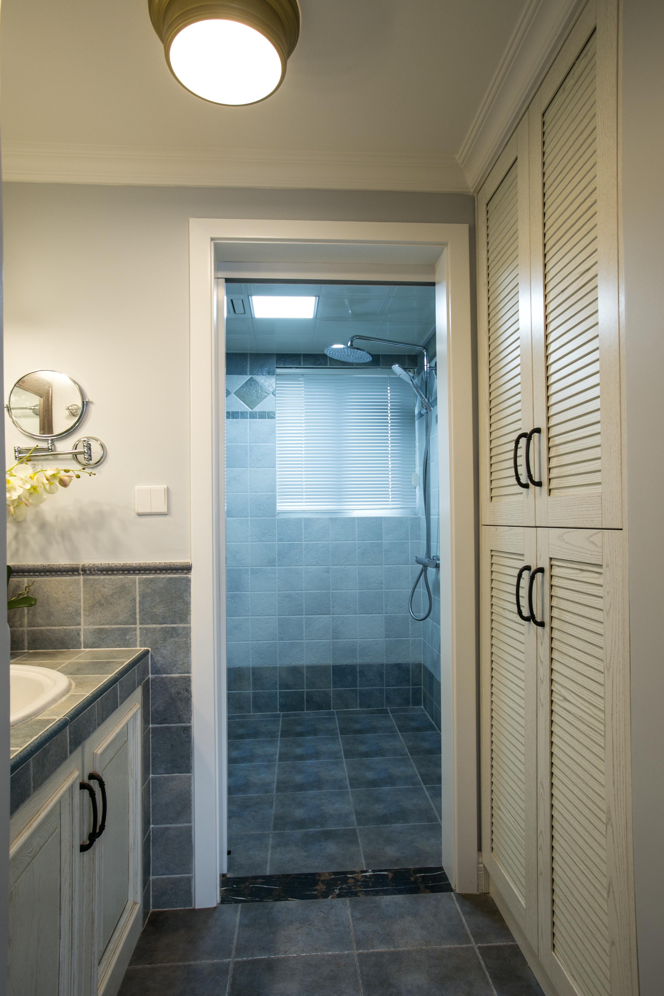 90平美式风格家卫生间设计图